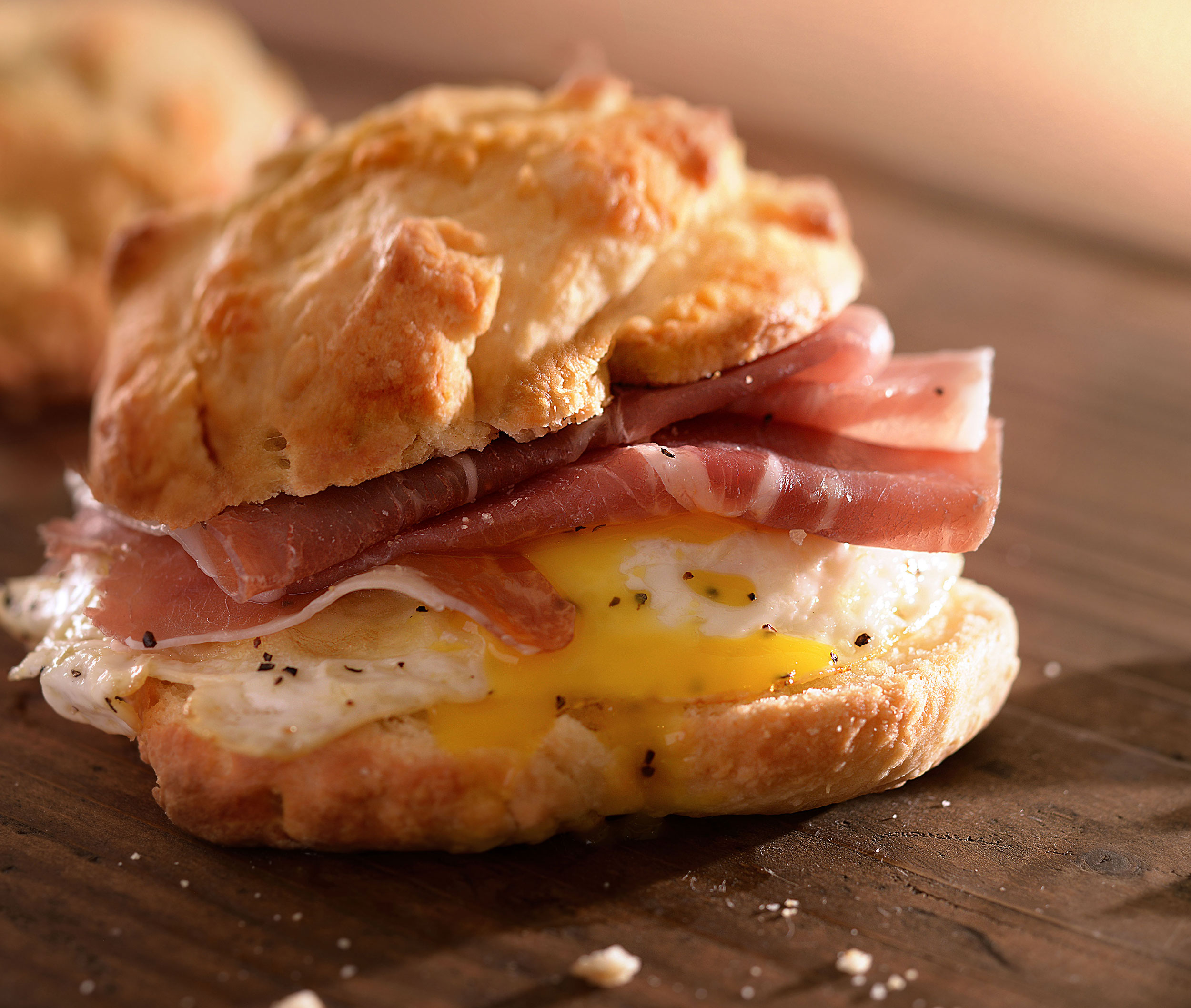 mike wepplo natural photography breakfast ham and egg biscuit